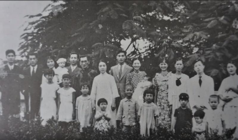 高俊明過去戰爭時到東京,但因空襲頻繁又回到臺灣。(取自youtube@ 劉祥仁)