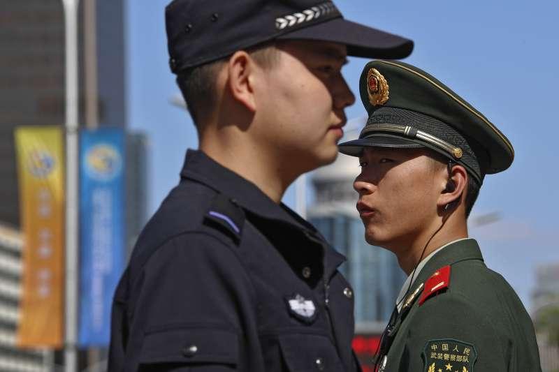 第二屆「一帶一路」國際合作高峰論壇登場,北京當局加強維安戒護,迎接各國領袖到來。(AP)