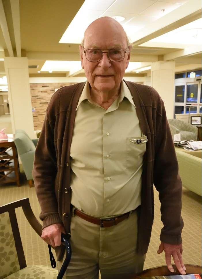 海沃德老先生,早年曾與到路克受訓的國軍飛行員結為好友,對中國人的態度非常友善。(許劍虹提供)