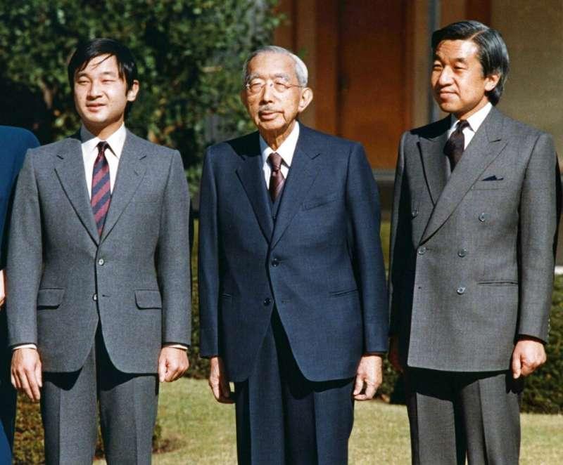 日本三代天皇:裕仁(中)、明仁(右)、德仁(左)。(美聯社)