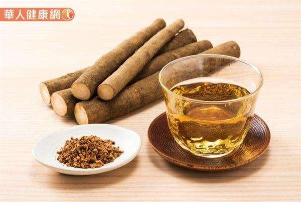 「牛蒡佛手茶」材料有,牛蒡10公克、佛手柑片5公克(若是找不到佛手柑,可以陳皮5公克代替)。(圖/華人健康網)