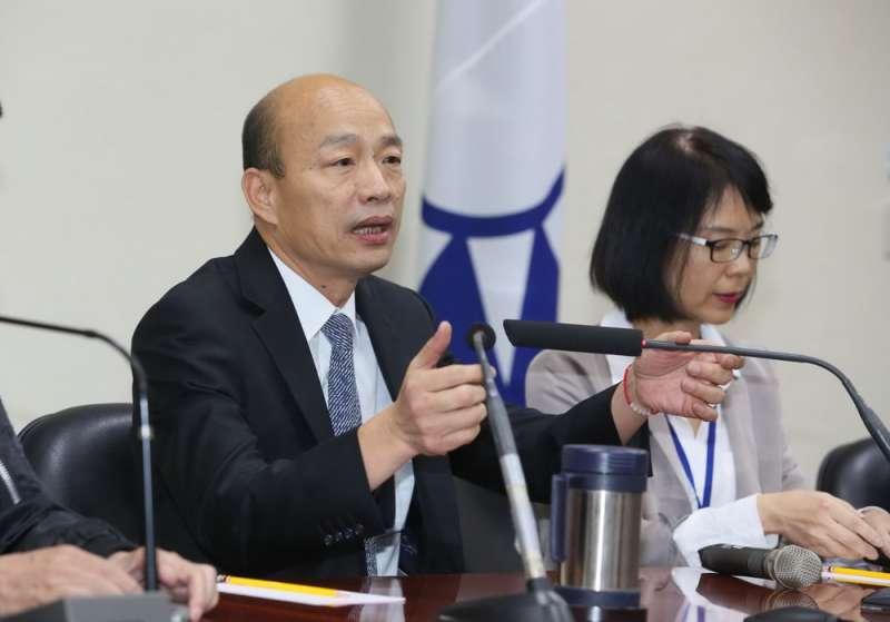 韓國瑜(左)發表「五點聲明」後,黨內競爭更隱然升級為內鬥。(柯承惠攝)