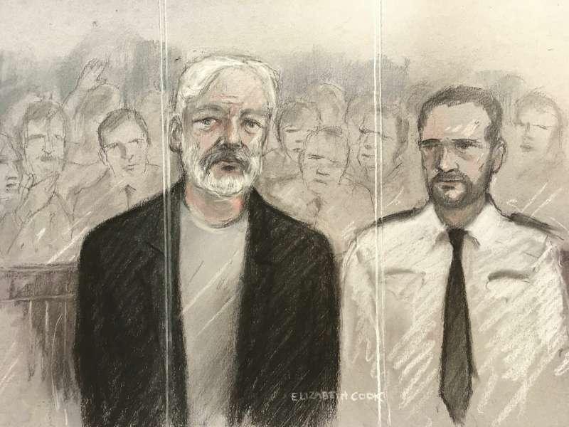 維基解密創辦人阿桑奇因棄保潛逃,被英國法院判坐牢50周(AP)