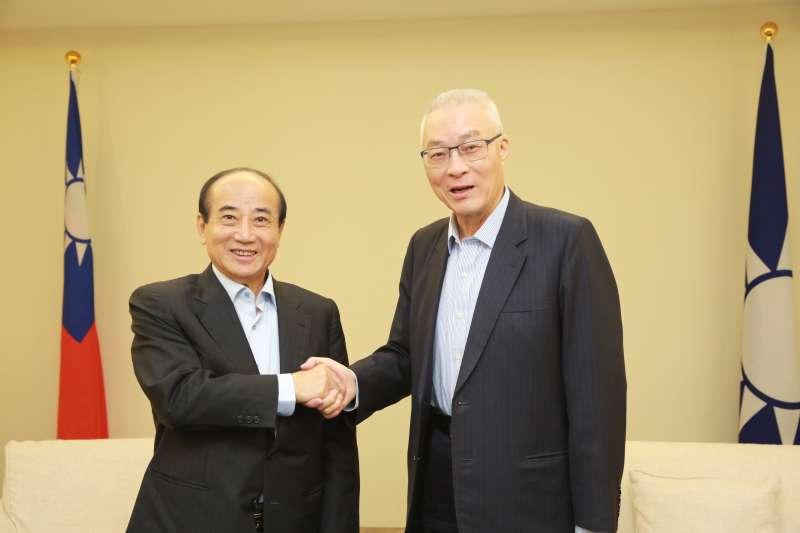 20190502-針對國民黨總統初選,前立法院長王金平(左)2日與國民黨主席吳敦義(右)會面。(國民黨提供)