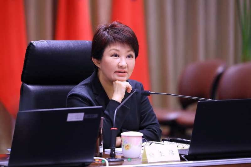 台中市長盧秀燕主持治安、公安及食安聯合會報,希望立案托嬰中心全面設置監視器。(圖/台中市政府提供)