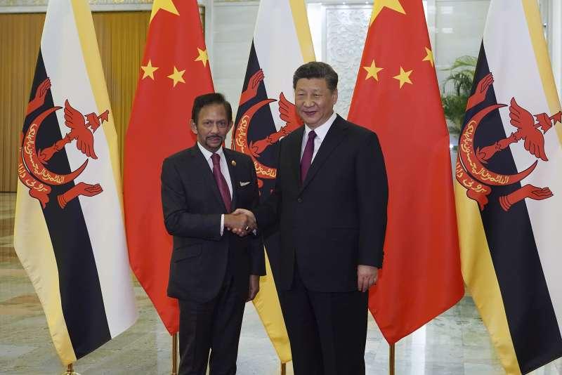 汶萊蘇丹博爾基亞出席中國一帶一路論壇。(AP)