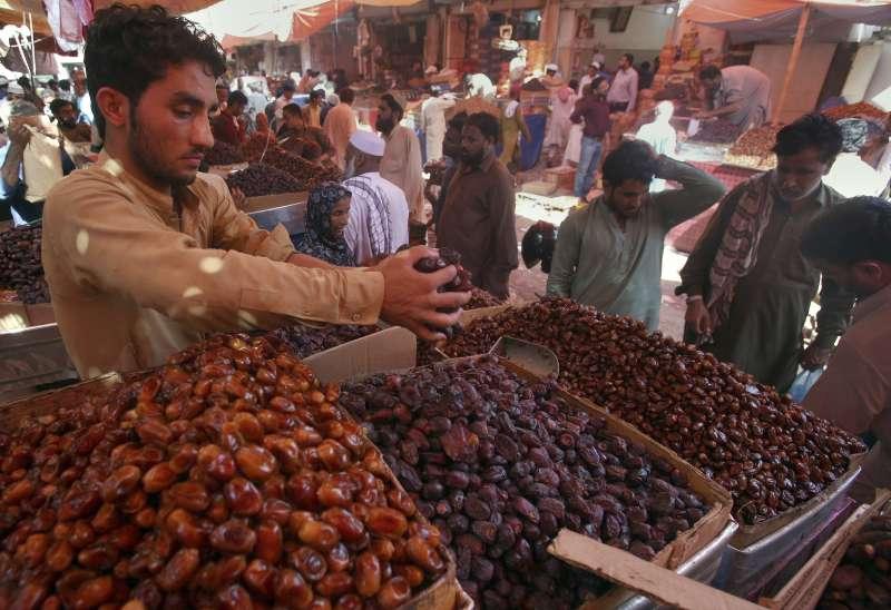 椰棗能提供豐富的營養,是齋戒月期間最受歡迎的食物之一。(AP)
