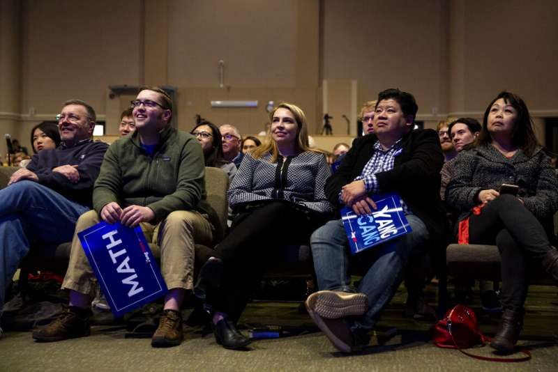 楊安澤4月29日在愛荷華州的一場造勢活動,吸引不少自稱「楊幫」的支持者參與。(美聯社)