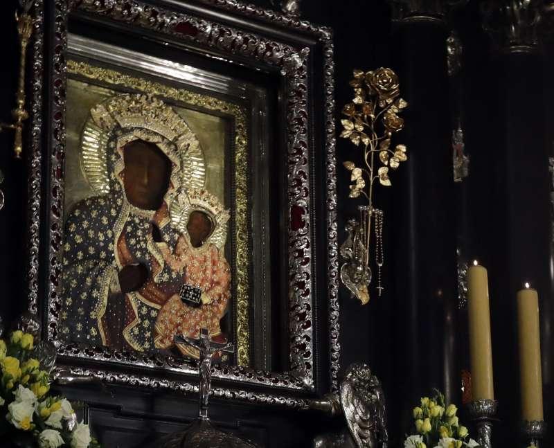 「琴斯托霍瓦的黑色聖母」(Black Madonna of Częstochowa)備受波蘭民眾尊崇,具有國寶般地位。(AP)