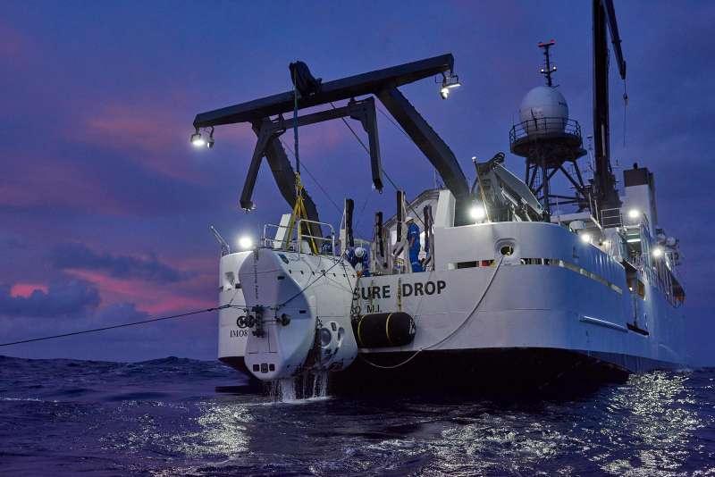 維斯科沃2018年發起「五大洋深處探險」(Five Deeps Expedition)計畫,矢言造訪全球五大洋最深處。(翻攝Five Deeps Expedition官網)