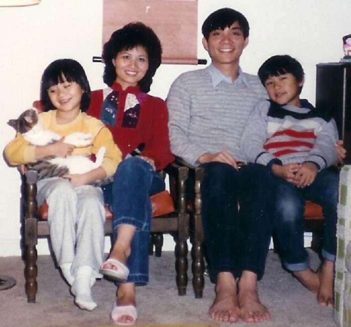 圖7,1983年,林毅夫一家終於在美國團圓。(李建興提供)