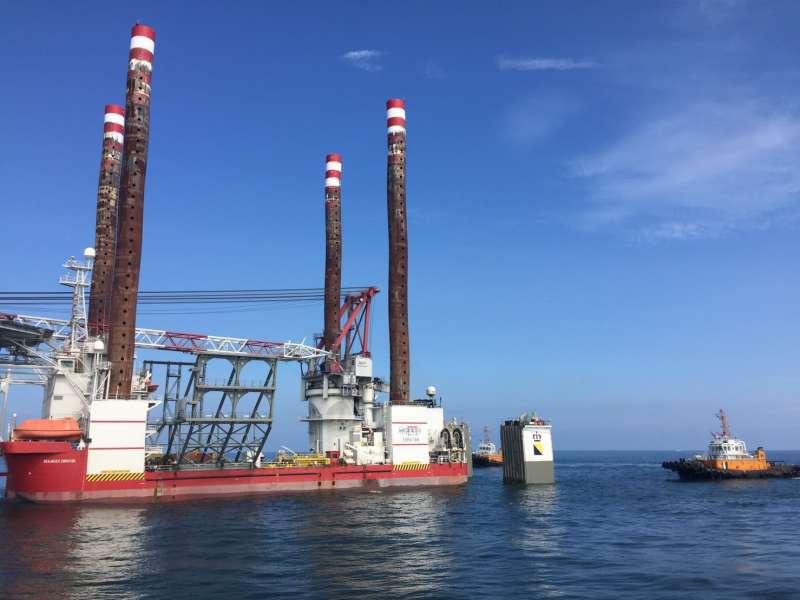 政府規劃離岸風電場址容量將於2025年達到5.5GW,未來在風場建置及運維期之工作船將大幅增加,(圖/徐炳文攝)