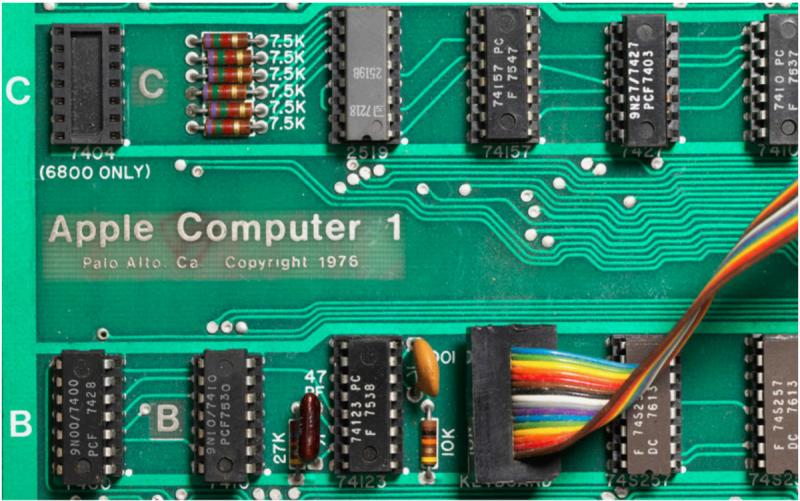 第一代蘋果電腦Apple-I(圖/Christie's)
