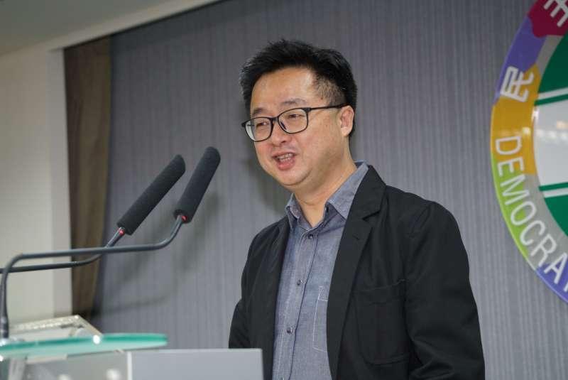 20190522-民進黨中執會後,秘書長羅文嘉受訪。(盧逸峰攝)