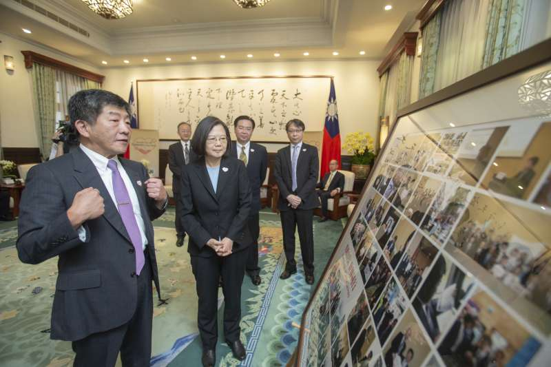 2019年5月25日,蔡英文總統接見衛福部長陳時中帶領的「世衛行動團」(總統府)