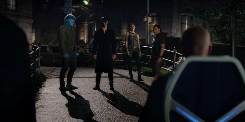 X教授想解救昔日夥伴,萬磁王卻堅持和琴葛雷對抗,兩邊人馬相互對立。(圖/IMDb)