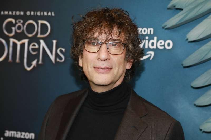 英國奇幻小說大師尼爾.蓋曼23日出席在美國紐約的首映會(美聯社)