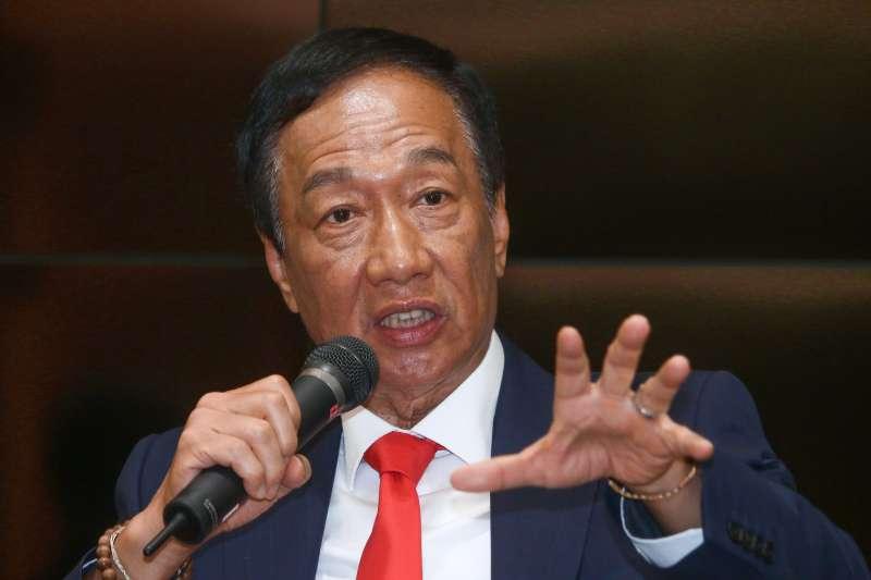 20190602-鴻海董事長郭台銘2日參訪永齡生醫工程館,並於會後發表談話。(蔡親傑攝)