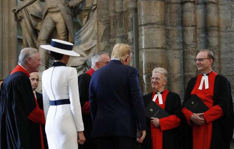 6月3日,美國總統川普到英國展開為期3天的國是訪問,並前往西敏寺參觀(美聯社)