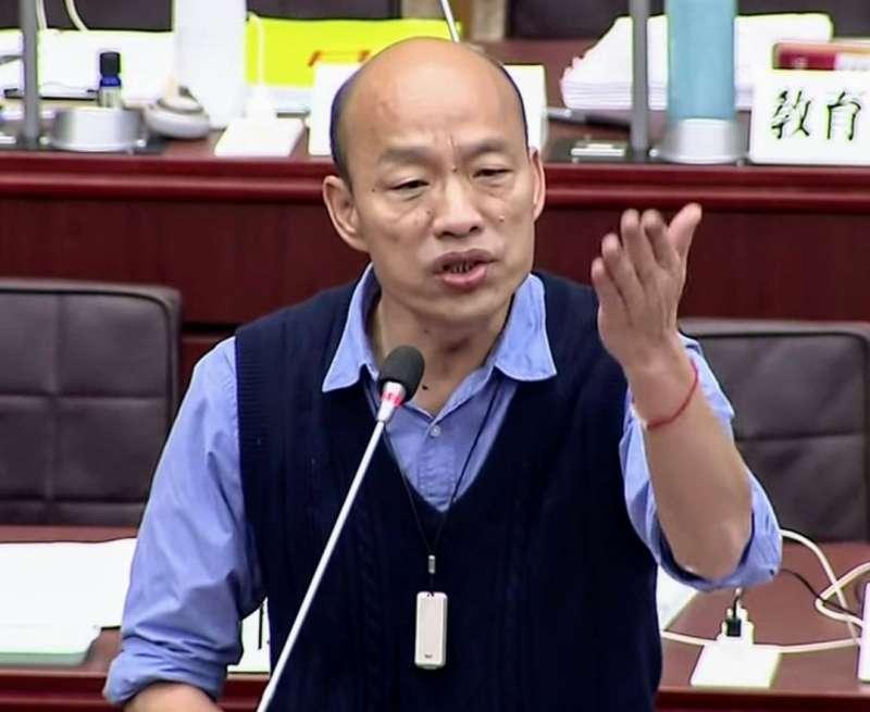 韓國瑜說,過去民進黨執政借那麼多錢和弊案,為何不質詢,就是因為民進黨雙重標準。(圖/徐炳文攝)