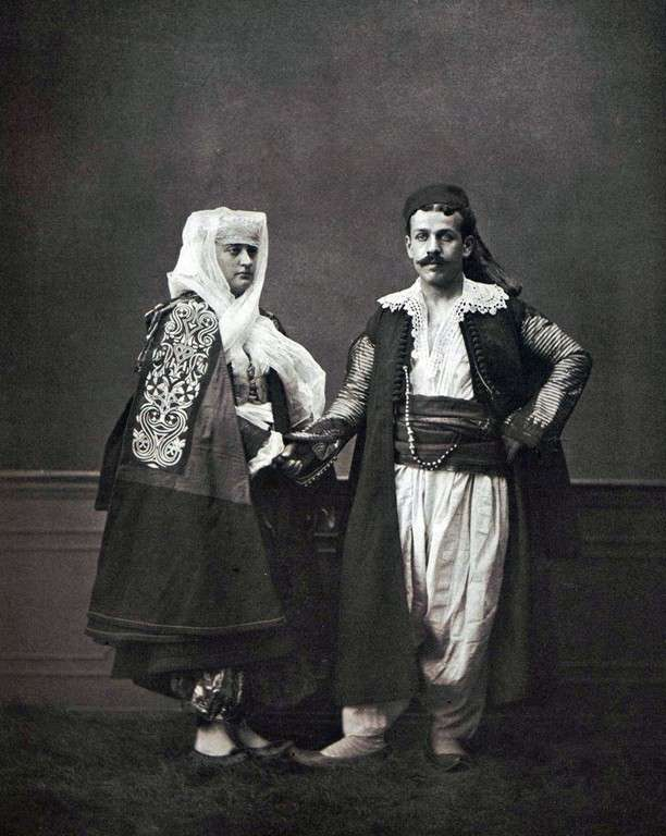 21090606-斯庫台(Shkodër)的基督徒夫婦。(劉燕婷提供)