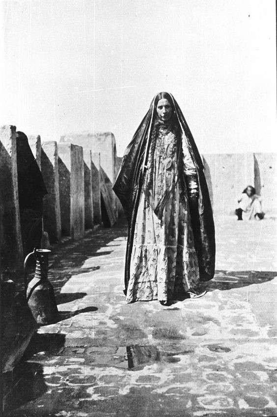 20190606-伊拉克已婚穆斯林婦女,攝于1918年。(劉燕婷提供).jpg