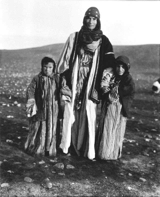20190606-伊拉克、敘利亞交界的母子。(劉燕婷提供).jpg