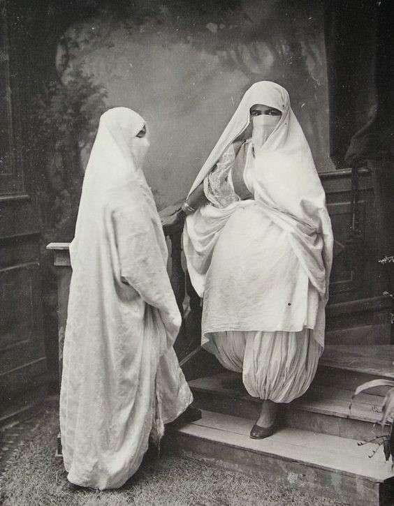 20190606-1920年的阿爾及利亞婦女。(劉燕婷提供).jpg