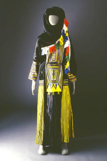 20190606-阿西爾婦女的傳統服飾。(Mansoojat Foundation提供).png