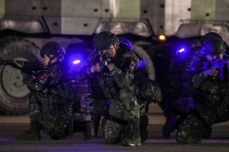 20190606_今年漢光演習期間,憲兵部隊在台北市松山機場執行反空機降作戰演練。(資料照,取自國防部官網)