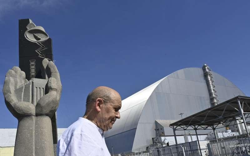 烏克蘭車諾比核災遺址的紀念碑與「新圍阻體」(AP)