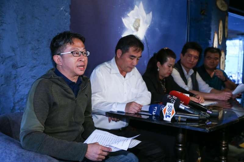20190611-普悠瑪事故受難者權益保障協會發言人甘國翰11日召開記者會,針對宜蘭地檢署調查報告提出質疑。(顏麟宇攝)