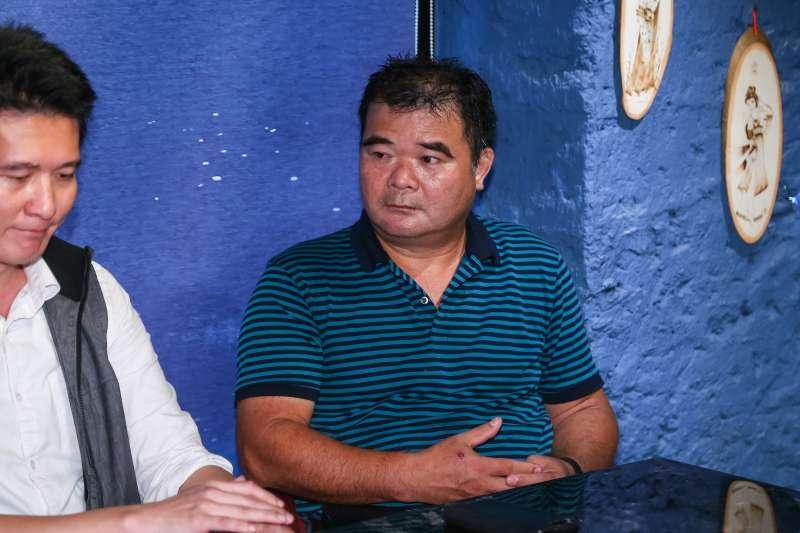20190611-台鐵技師黃德輝與普悠瑪事故受難者權益保障協會11日召開記者會,針對宜蘭地檢署調查報告提出質疑。(顏麟宇攝)