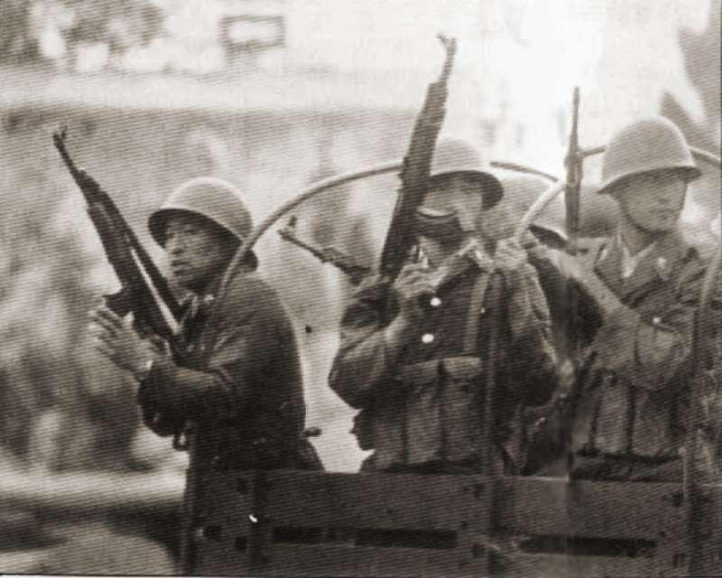 20190613 upload-新新聞0118期-六四事件、北京大屠殺(1-3)-雖然軍隊已經全面進駐天安門廣場,但是軍人仍然濫殺無辜。(美聯社)