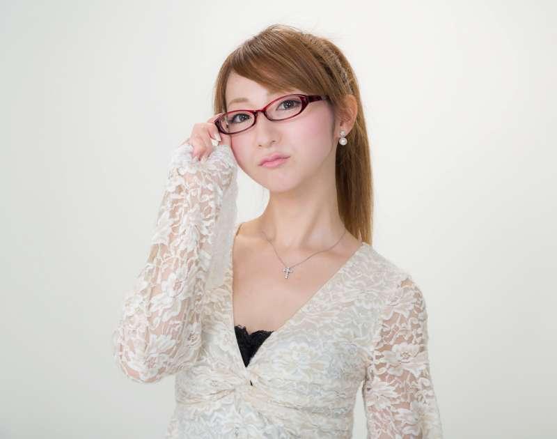 也許因為女老師長得太美,所以菅野直之才會不小心「沒有拿捏好分寸」。(示意圖非本人/pakutaso)