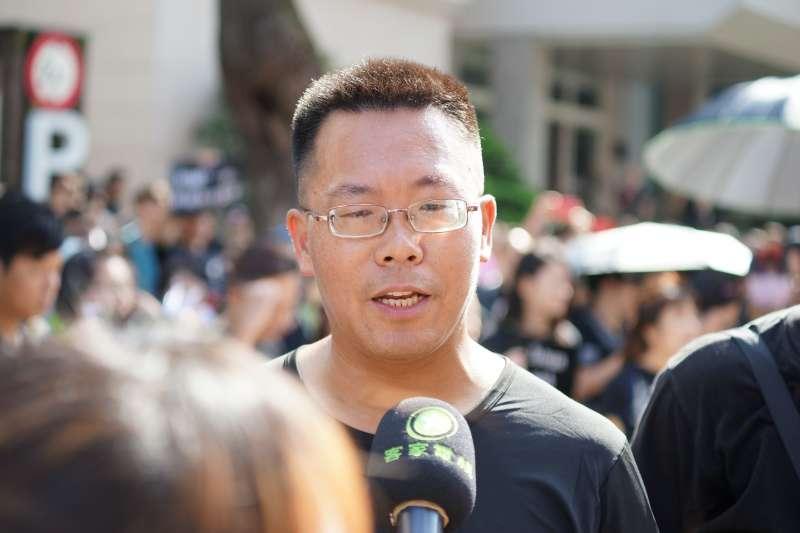 20190616-滕彪參加「撐香港,反送中」集會活動。(盧逸峰攝)