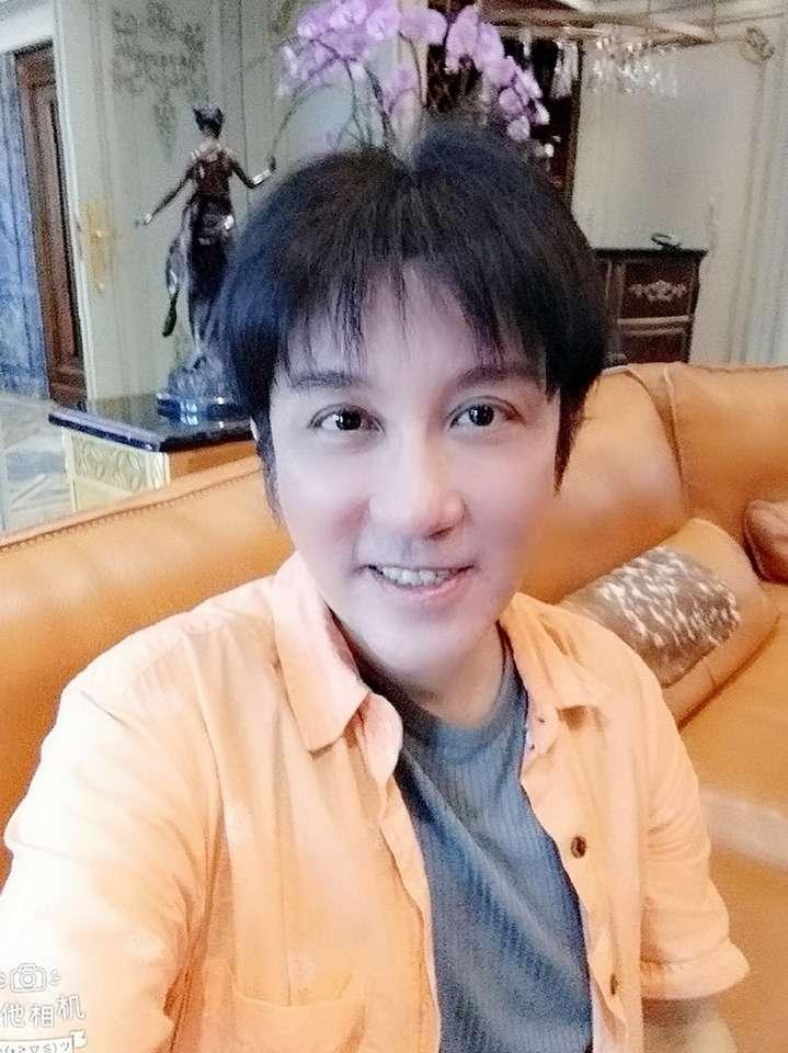 20190618-歌手江明學疑似陳屍深坑住家。(取自江明學臉書)