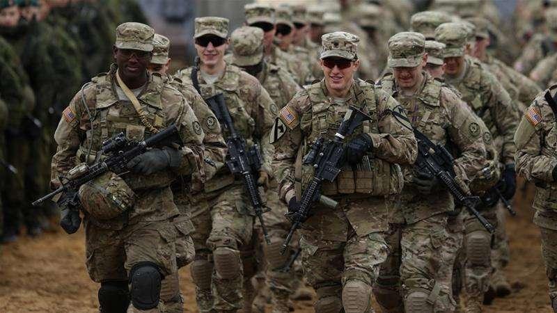 美國與伊朗在中東地區對峙,情勢劍拔弩張,美國國防部17日宣布將再派遣1千名美軍到中東地區(美聯社)