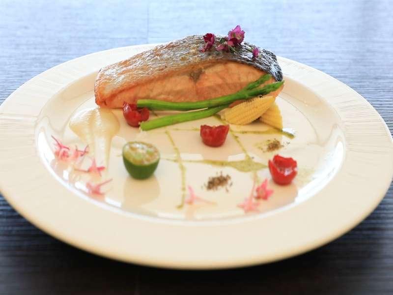 採用高品質食材,經由主廚精心烹飪,滿足饕客挑剔的味蕾。(圖/欣藍舍提供)