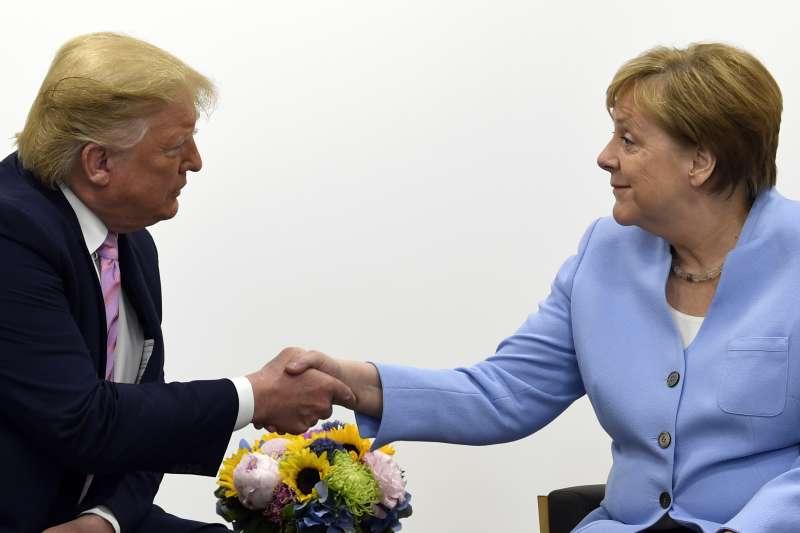 2019年6月28日,G20領導人大阪峰會,川普與梅克爾(AP)