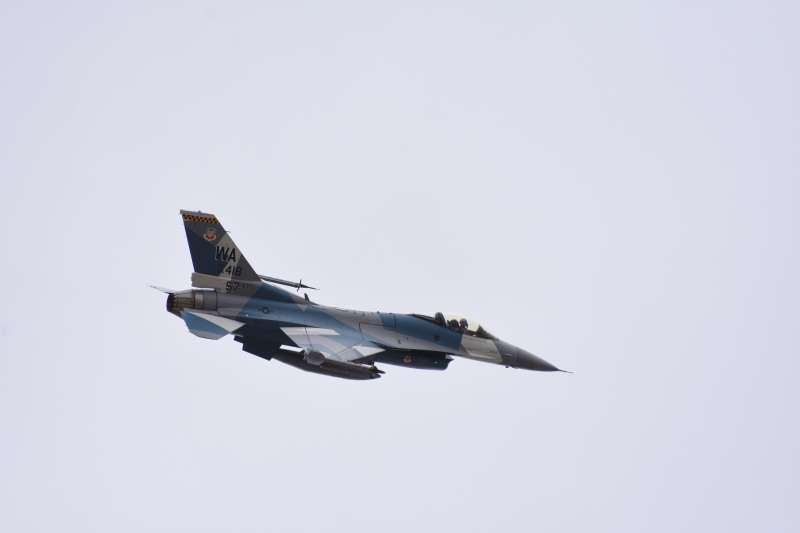 馬英九時代爭取到的F-16V戰鬥機,對中華民國空軍而言面對現在的威脅已經綽綽有餘,圖為美國空軍第57戰鬥機聯隊第64假想敵中隊的F-16C戰鬥機。(許劍虹提供)