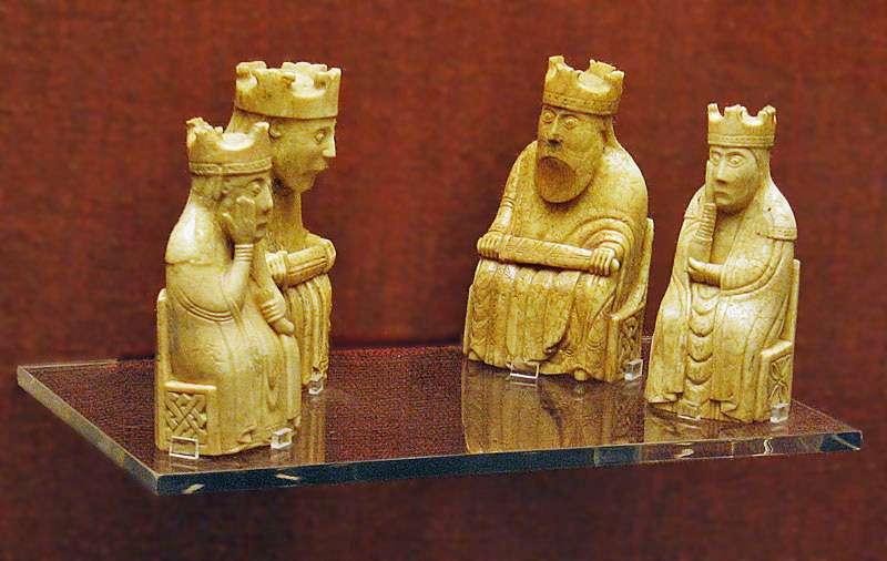 大英博物館展出的路易斯棋(Andrew Dunn@Wikimedia/CC-BY-SA 2.0)