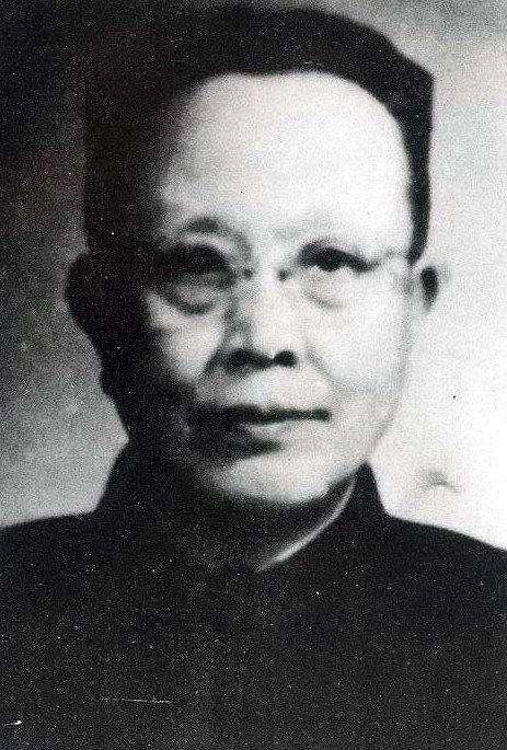 胡允恭,長官公署時期化名胡邦憲來台任職,擔任宣傳委員會委員兼圖書出版組主任。(取自華人百科)