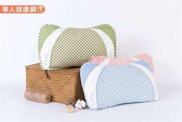 決明子除了可製作茶飲以外,生決明子還可外用做枕頭,同樣也有保健之功。(圖/華人健康網提供)