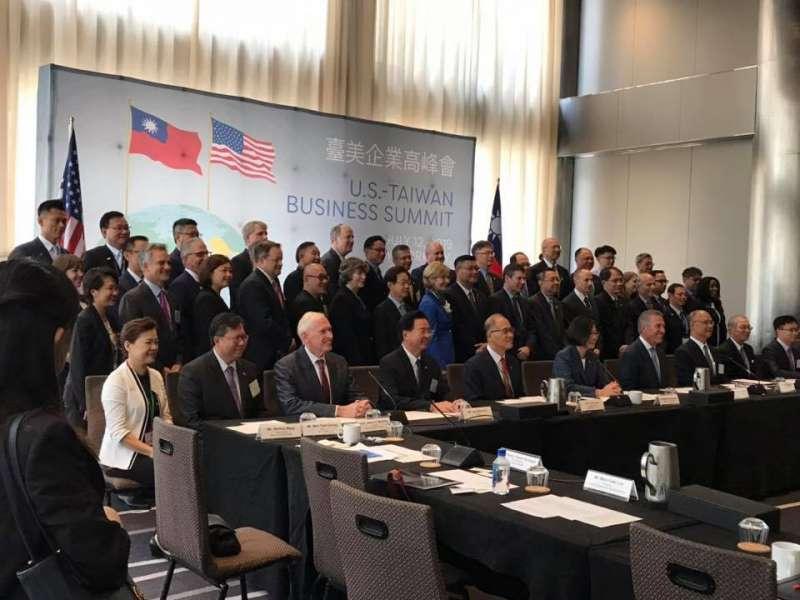 20190713-總統蔡英文出訪友邦,過境紐約,13日出席台美企業高峰會。(取自管碧玲臉書)