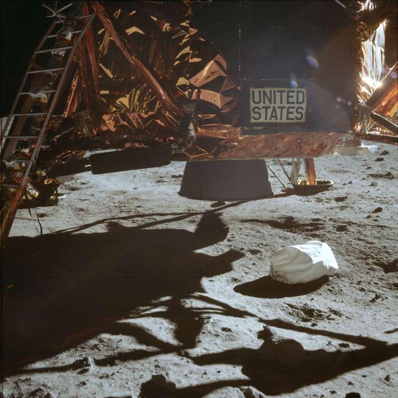 1969年7月20日,阿波羅11號登月任務,登月艙降落在月球表面(AP)