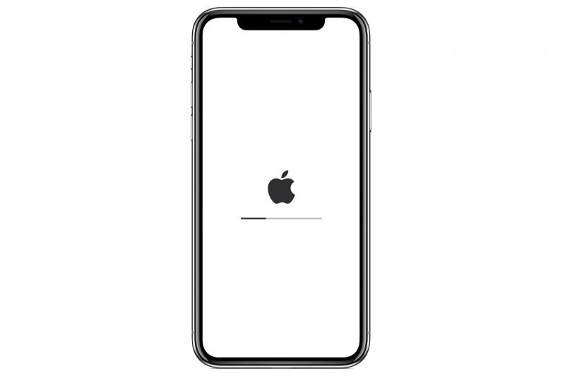 久未更新的手機不僅沒有安全保護,速度緩慢更是讓人傷透腦筋。(圖/Apple)