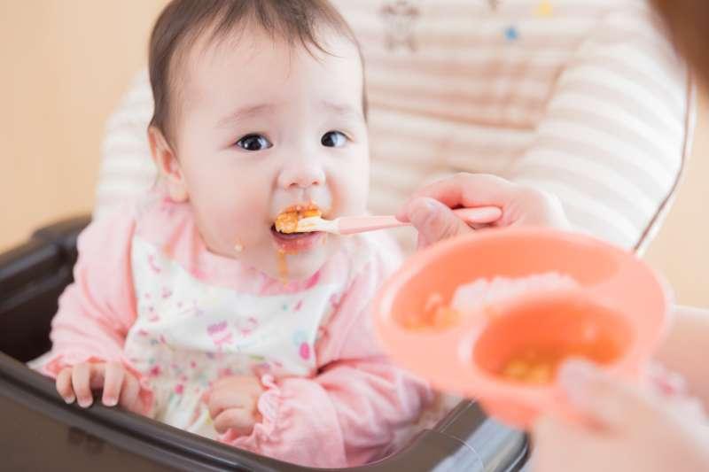 嬰幼兒食品含糖過高恐怕有不良影響。(圖/pakutaso)