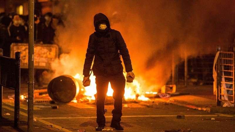 2016年的旺角騷亂被泛民譴責是暴力行為,令本土派大為不滿。