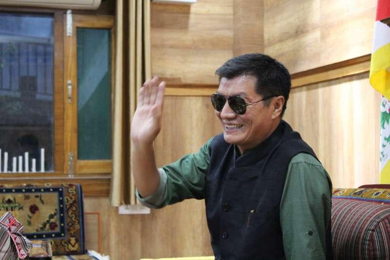 20190726-民進黨秘書長羅文嘉上周赴印度,會面西藏流亡政府總理洛桑森格(見圖)。(取自羅文嘉臉書)